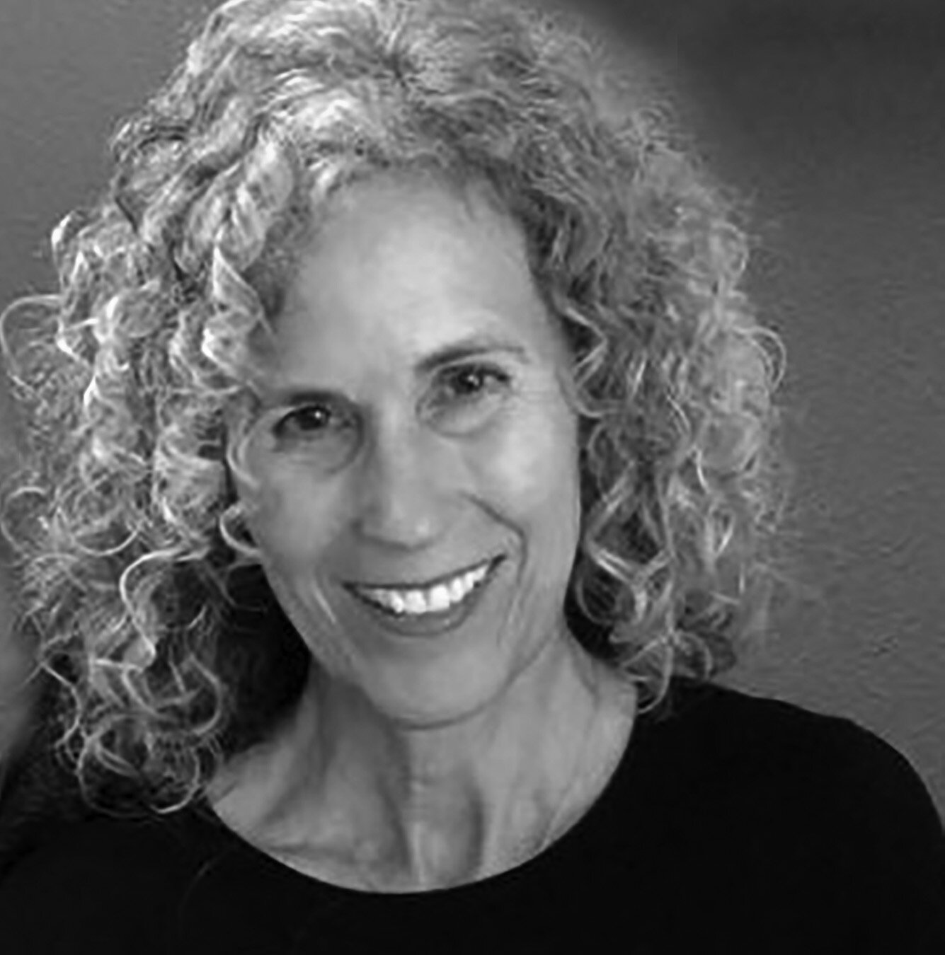 Julie Ann Stevens profile pic_2019.jpg