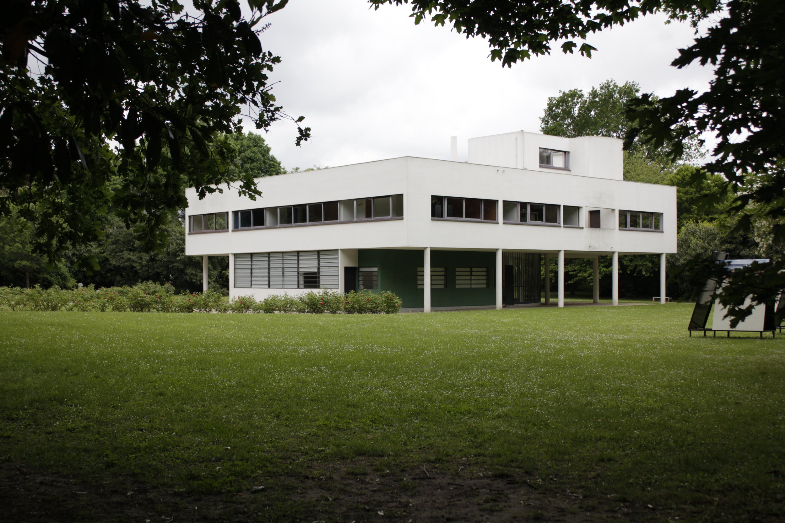 Villa Savoye, Photo by Tom Jenson