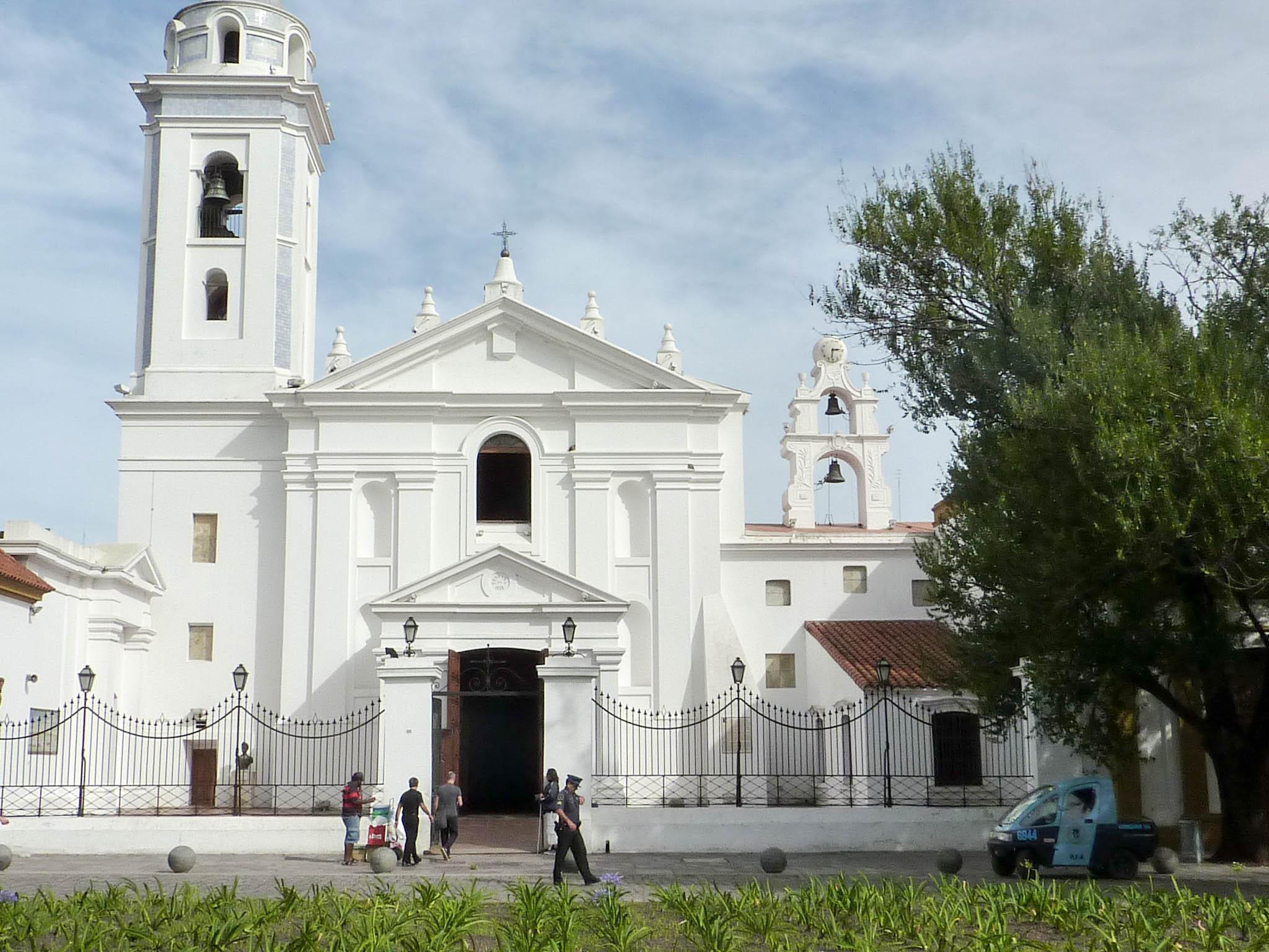 La Basilica Nuestra Señora del Pilar