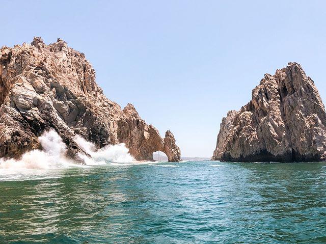Los Cabos es uno de los destinos más conocidos de Mexico. Ubicado en el Mar de Cortés, en Baja California cuenta con algunos de los hoteles más luxury de el pais