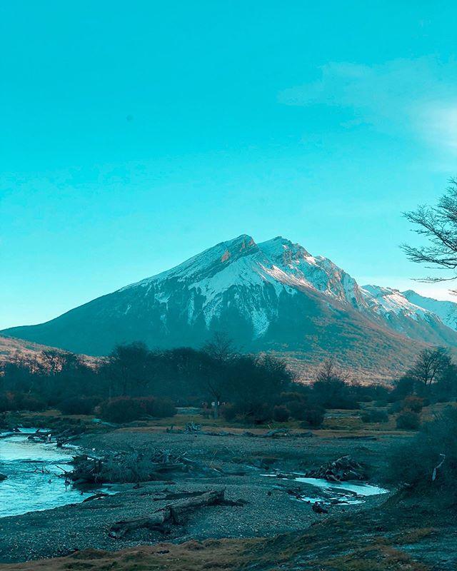 ¿Queres saber más sobre la ciudad del fin del mundo, Ushuaia? Te contamos todo lo que necesita saber antes de emprender una aventura, ingresa a la web y descubre nuestra ultima aventura. Pero mientras tanto disfruta de nuestra serie de fotos del destino.