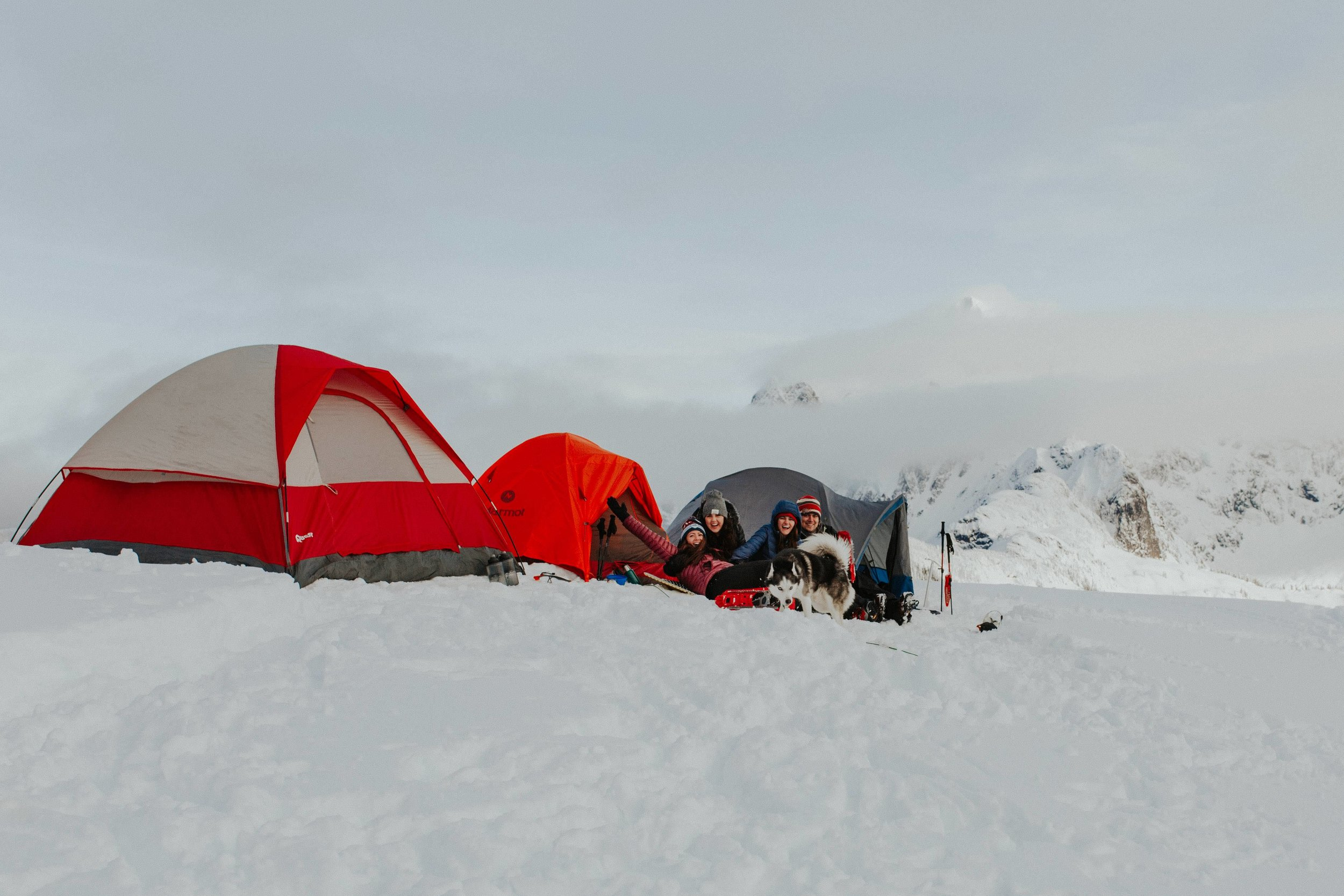 adventure-wedding-photographer-artist-point-snow-camping-elopement-photographer-mountain-crew.jpg