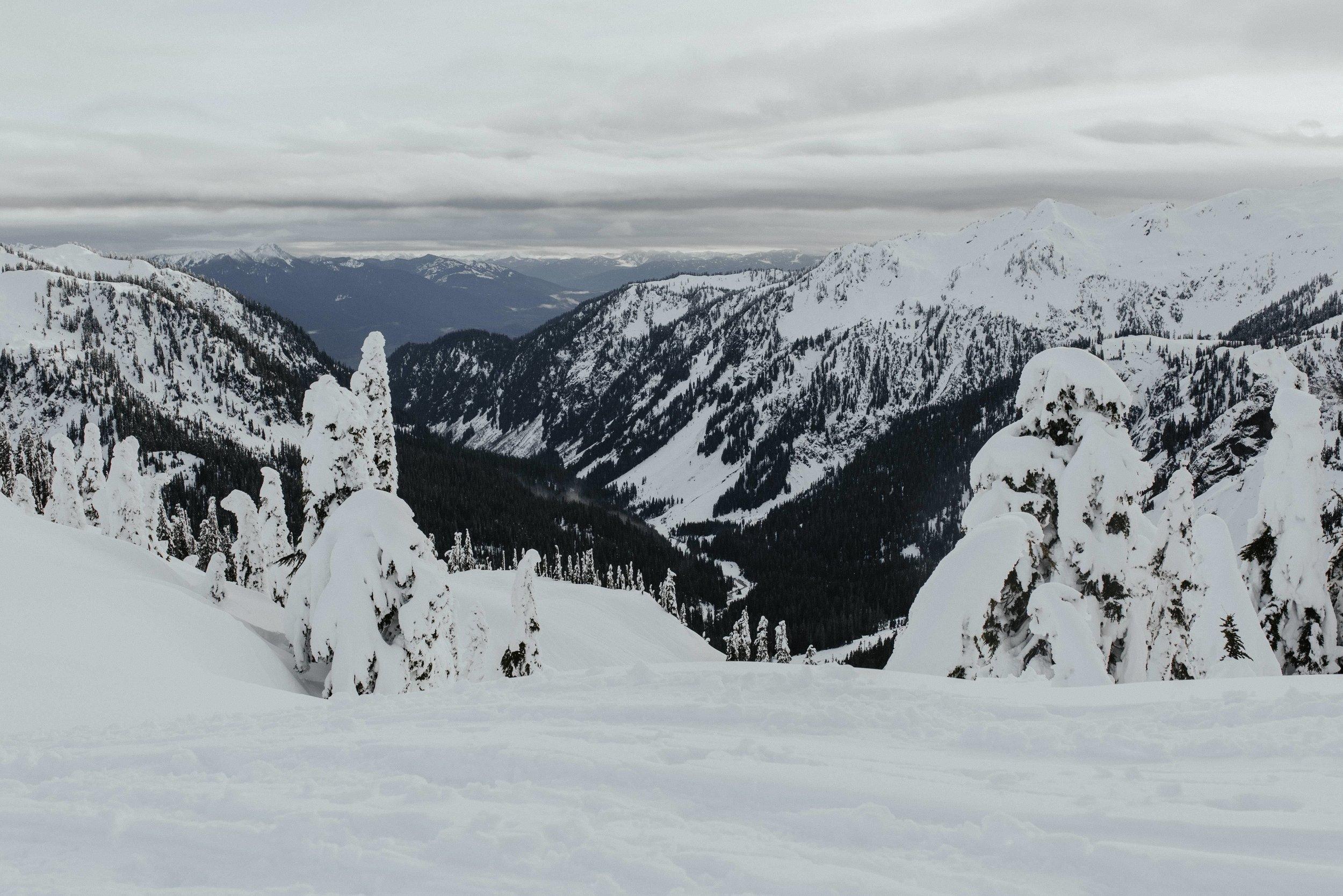 adventure-wedding-photographer-artist-point-snow-camping-elopement-photographer-north-cascades.jpg