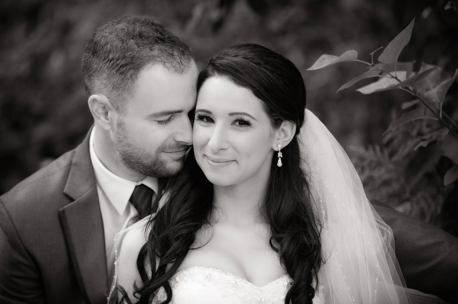 Nicole & Mike at their Coal Harbour Community Centre Wedding | Image by Randal Kurt Photography