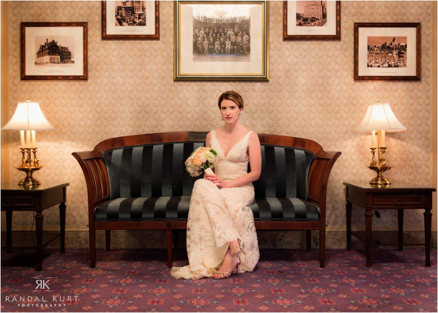 11-vancouver-art-gallery-wedding.jpg