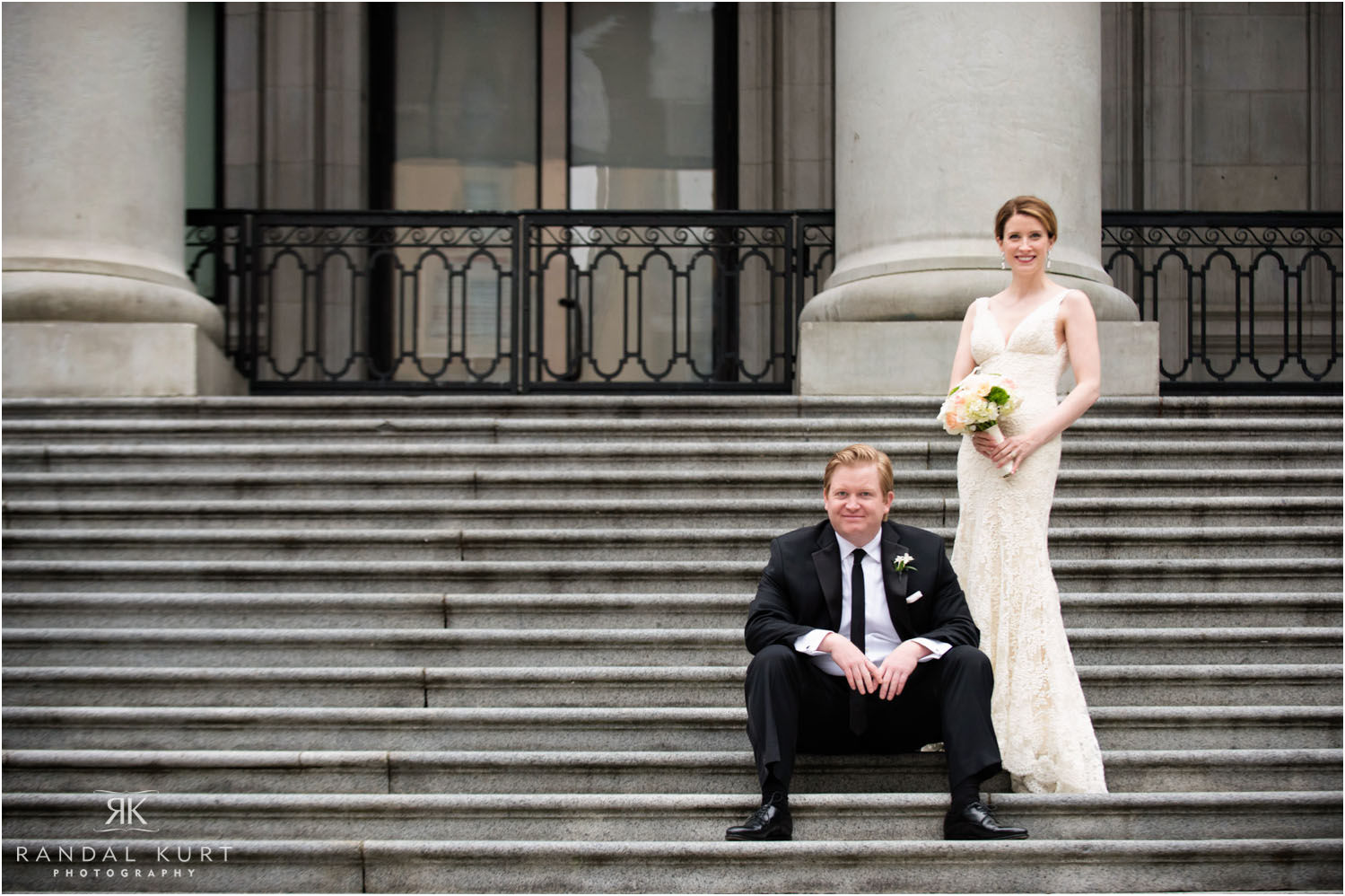 24-vancouver-art-gallery-wedding.jpg