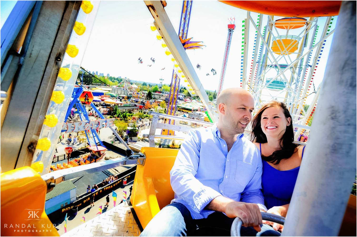 14-playland-engagement-session.jpg