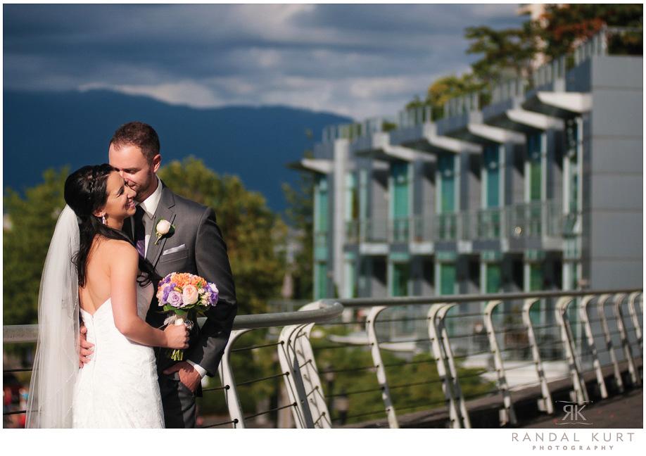 17-coal-harbour-wedding.jpg