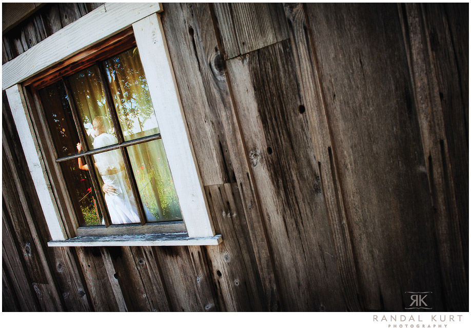 27-mayfair-lakes-wedding.jpg