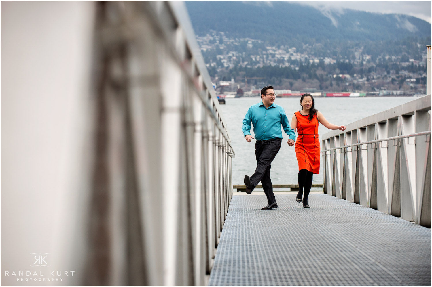 03-vancouver-engagement-session.jpg