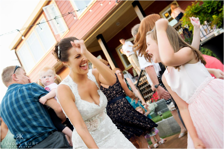 37-comox-wedding-photography.jpg
