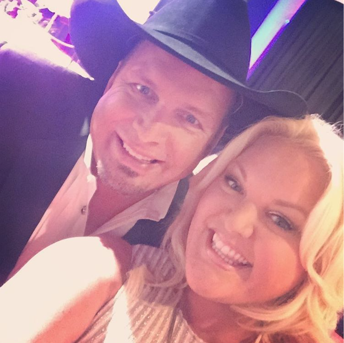 NOVEMBER 2016 - COVERING THE CMA AWARDS FOR US WEEKLY, PICTURED WITH GARTH BROOKS