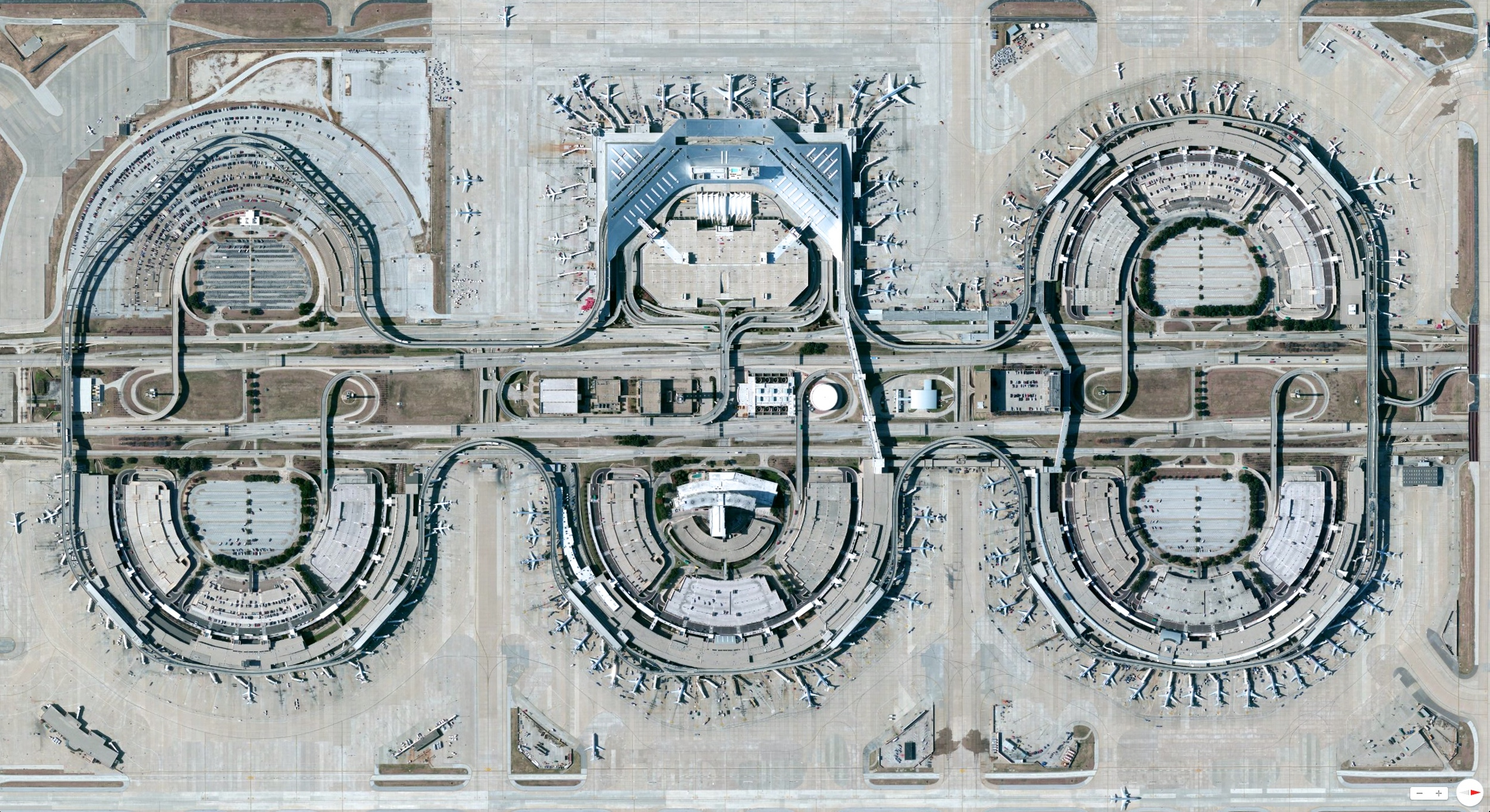 12/20/2013    Dallas/Fort Worth International Airport   Dallas-Fort Worth, Texas, USA   32°53′49″N097°02′17″W
