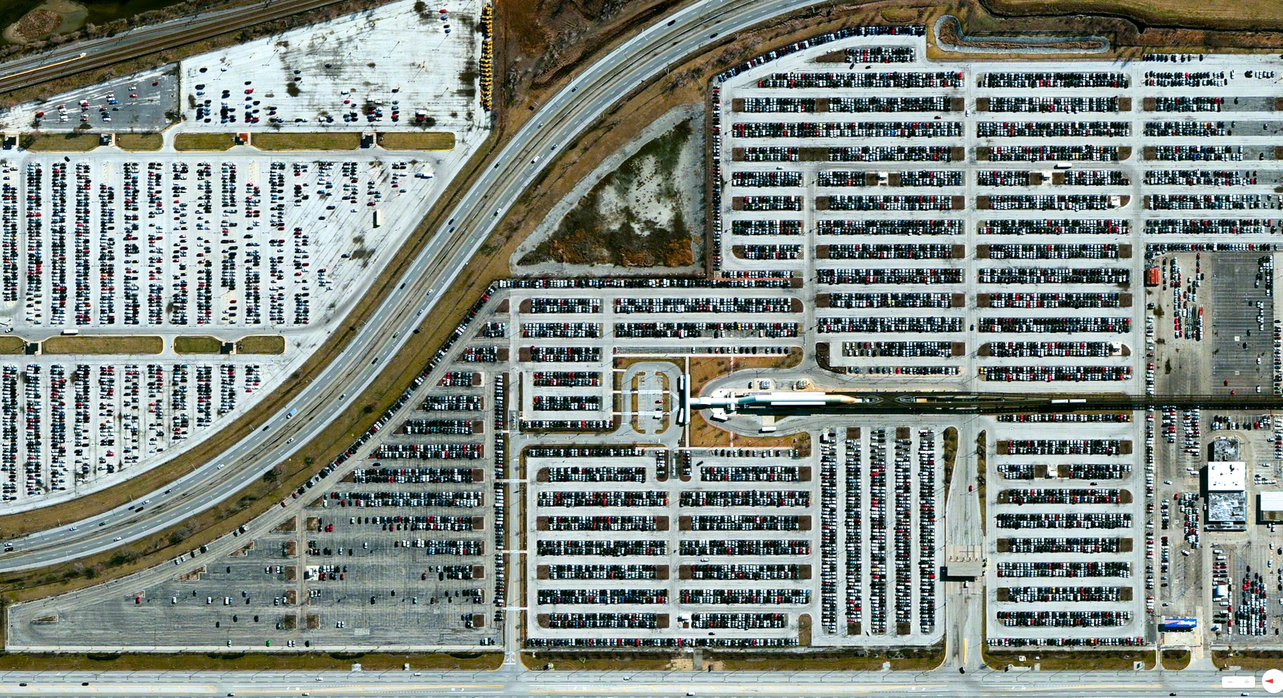 12/17/2013    Chicago O'Hare International Airport Parking Lot   Chicago, Illinois, USA   41°58′43″N 87°54′17″W