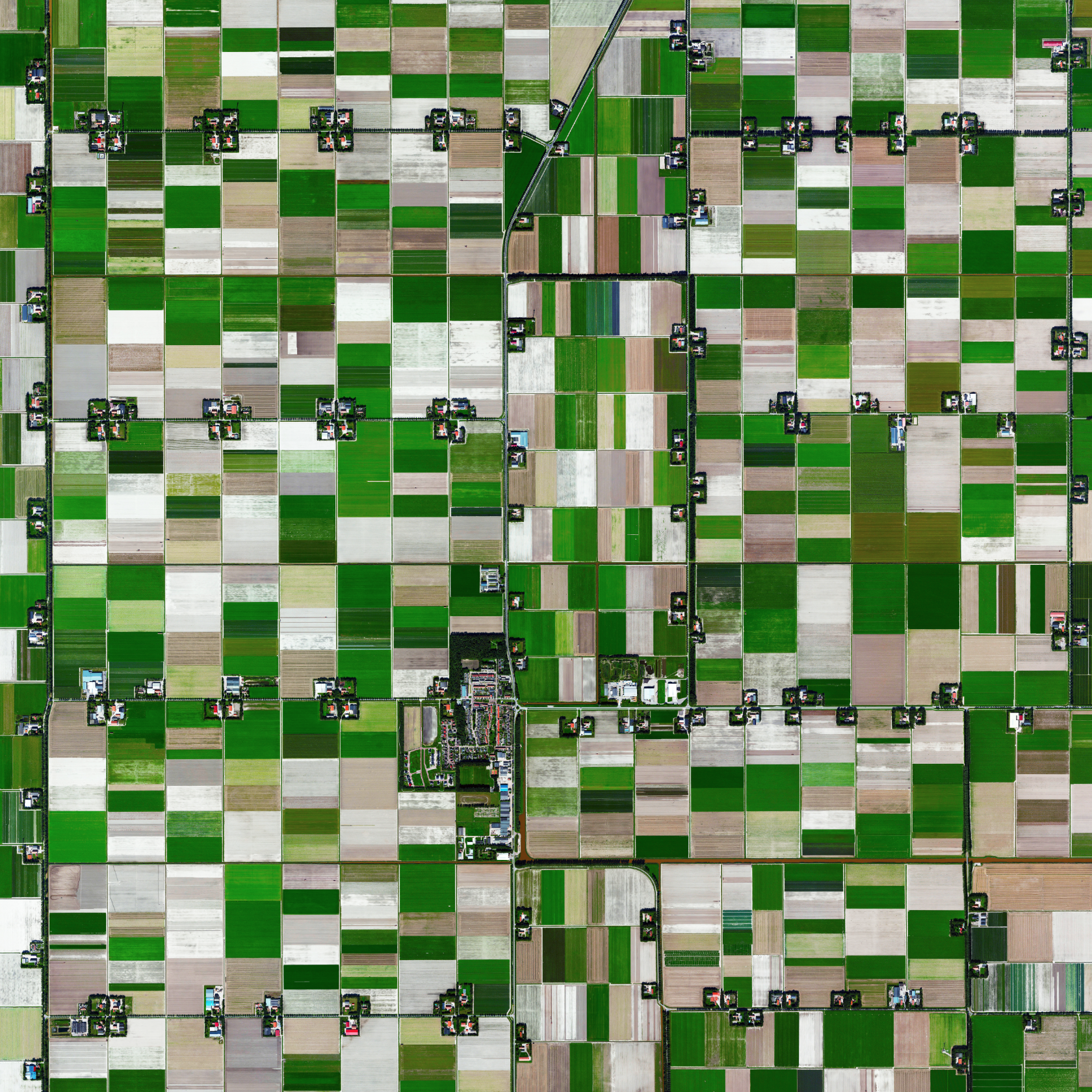 12/20/2015   Espel   Espel, Netherlands  52°43′27″N 5°38′39″E    The village of Espel - located in the province of Flevoland, Netherlands - is home to 774 inhabitants. The farms in the region specialize in the growth of flower bulbs.