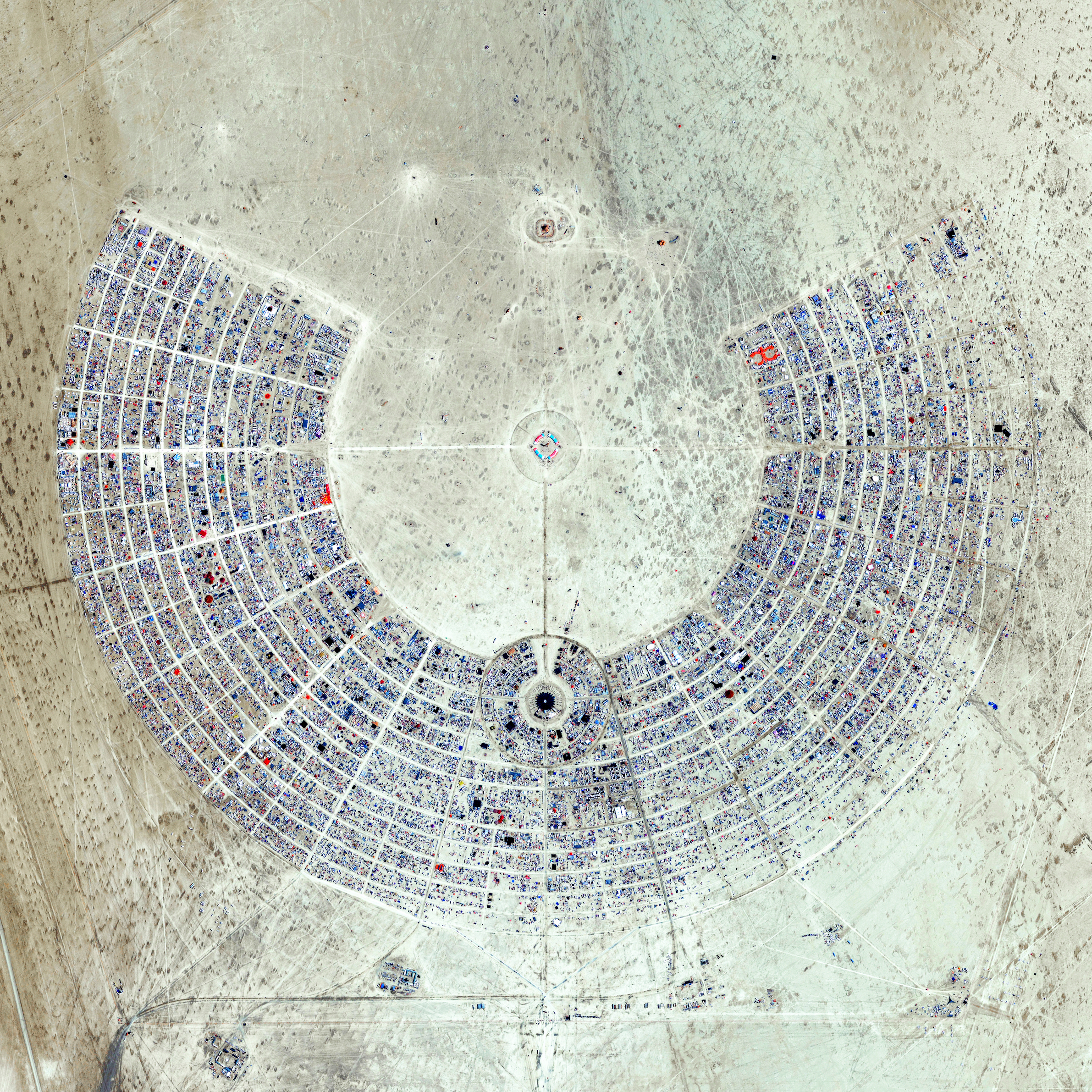 We just passed 200K FOLLOWERS on  Instagram and we're doing some PRINT GIVEAWAYS this week to celebrate! To enter the first  contest , simply TAG FOUR (4) FRIENDS in the comments of the post. In 72 hours, we'll announce a winner who will receive a print with this amazing Overview of Burning Man! This annual event is held in the Black Rock Desert of Nevada, USA and draws more than 65,000 participants. If you want to learn more about this specific print, click  here !