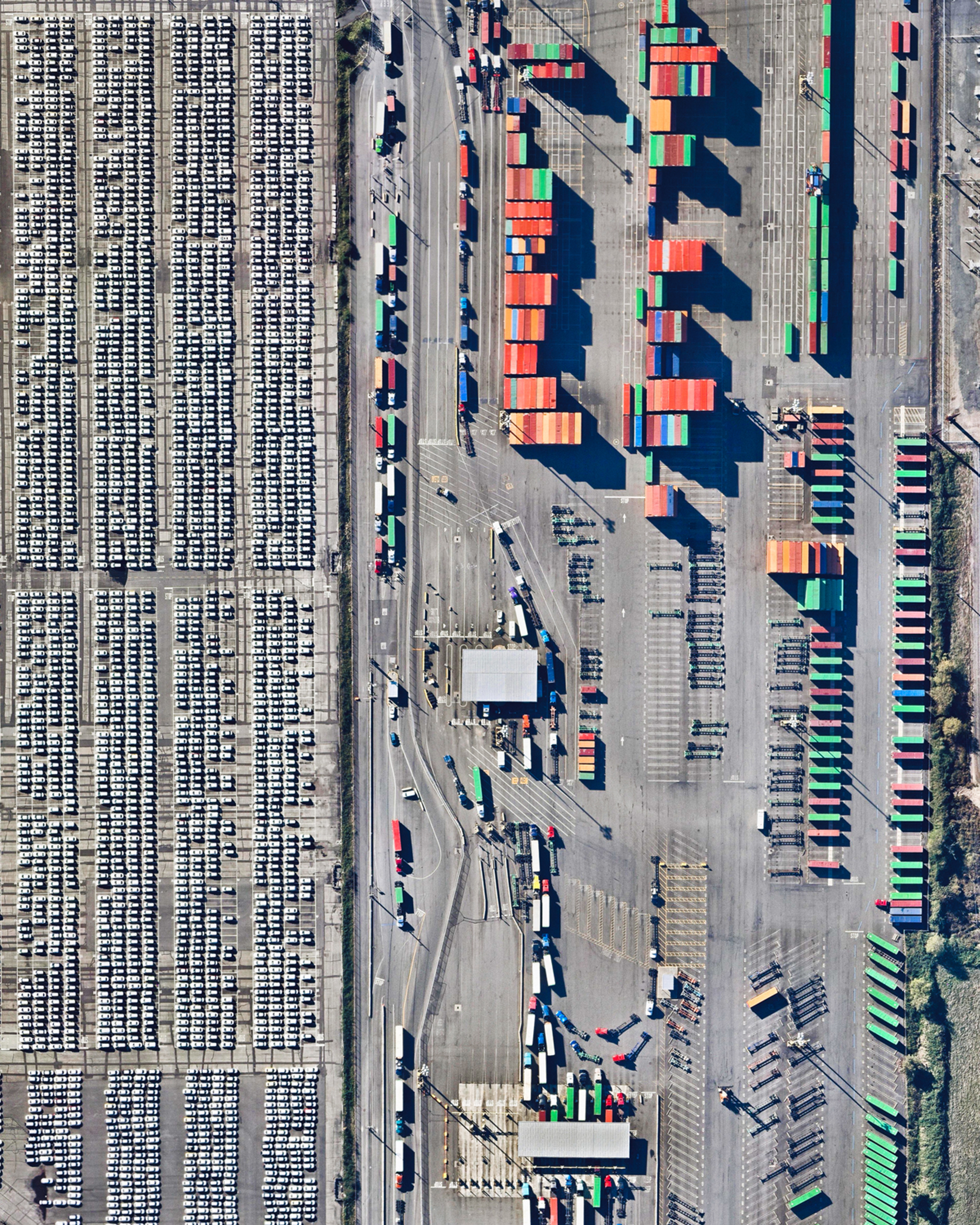 """The Pierce County Container Terminal is part of the Port of Tacoma, located in Washington State. The 140-acre (56.7 hectare) facility has two berths totaling 2,087 feet (636 m) in length and seven cranes. Every year, the Port of Tacoma handles between 9 and 13 million tons of cargo and more than $25 billion of commerce.  47°15'14.2""""N, 122°22'11.2""""W  Source imagery: Nearmap"""
