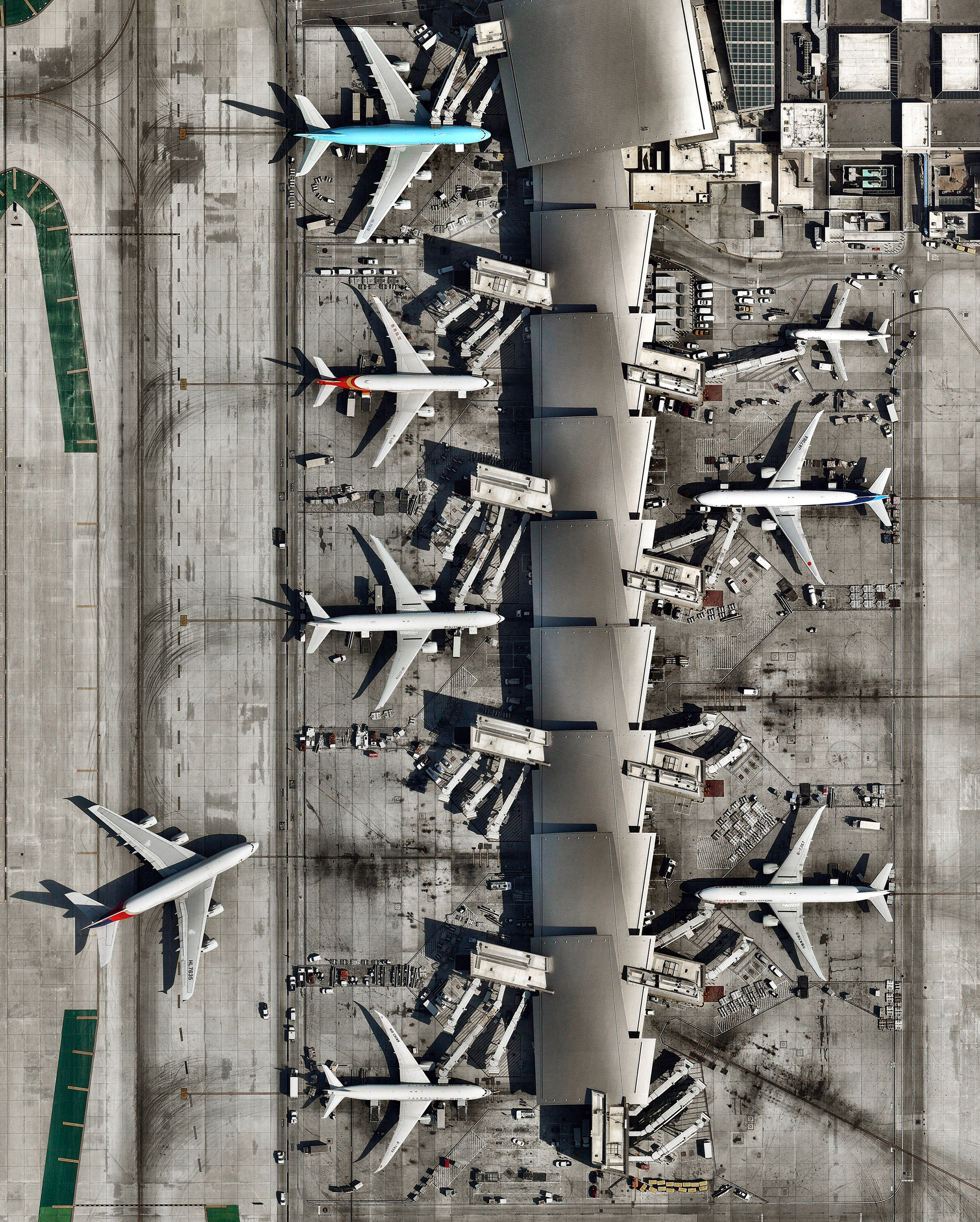 """The Tom Bradley International Terminal, sometimes called """"Terminal B,"""" is one of nine passenger terminals at the Los Angeles International Airport (LAX) in Los Angeles, California. This terminal handles nearly all of LAX's international flights and can accommodate the Airbus A380 — the world's largest passenger airliner. In fact, LAX has more A380 services than any other North American city, with as many as 13 daily flights.  33°56'28.3""""N, 118°24'36.6""""W  Source imagery: Nearmap"""