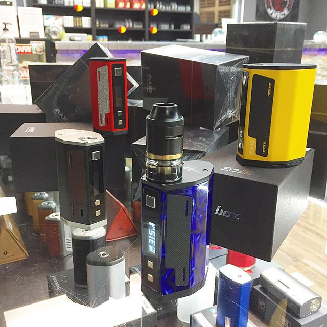 #newmod the #Maxo Quad 18650 box mod, 315 watts by #ijoy #ijoymaxo #nowavailable #vapecity #vapecityark