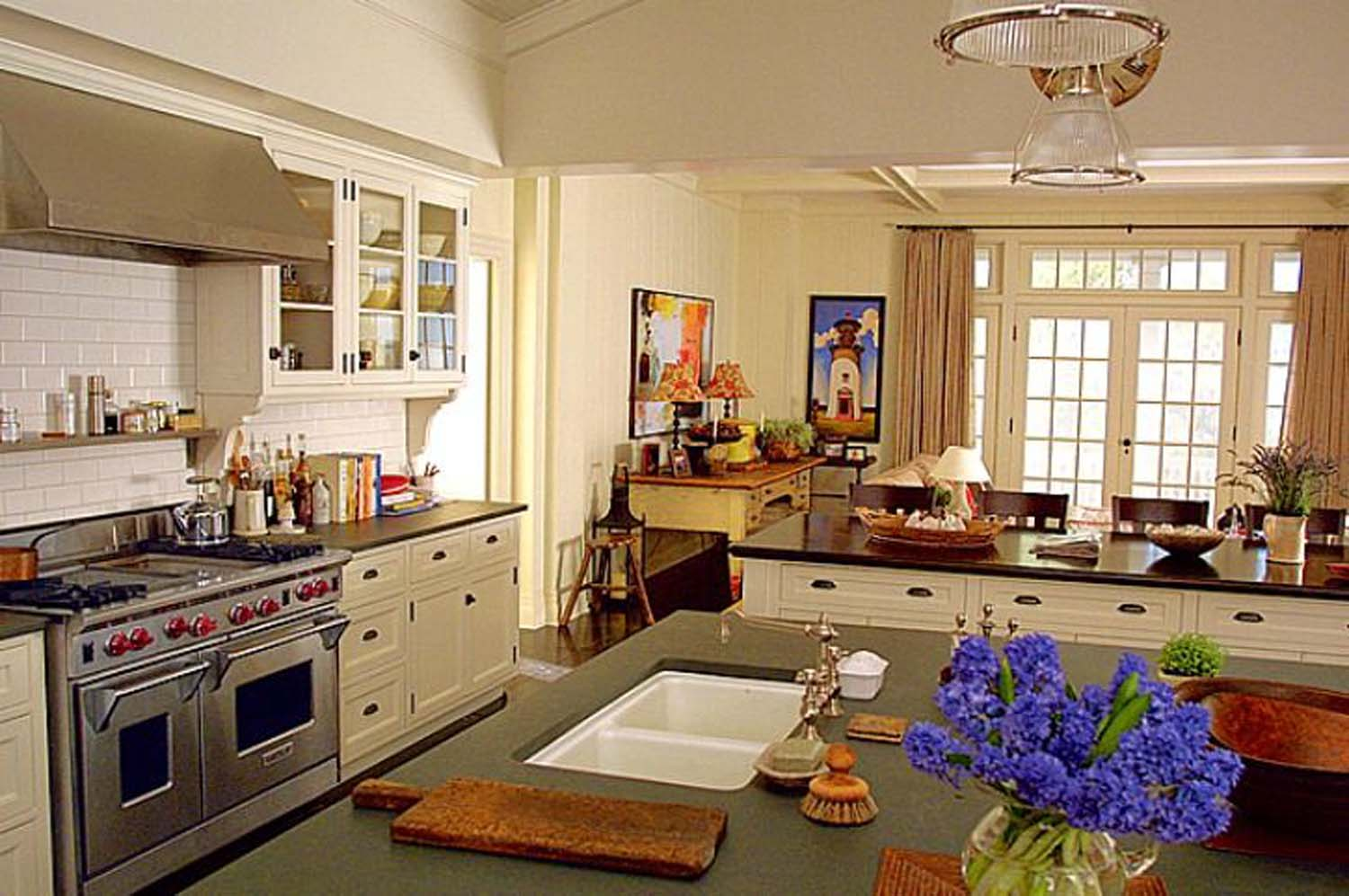 Somethings Gotta Give Kitchen  | Image:    Architectural Digest