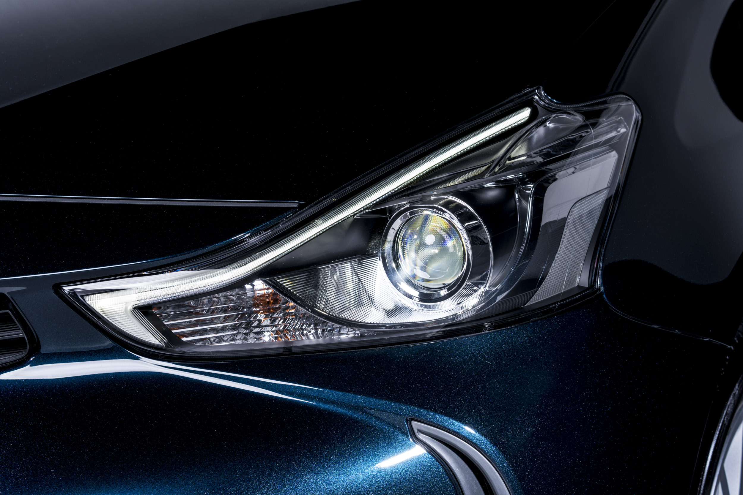 headlight 2.jpg