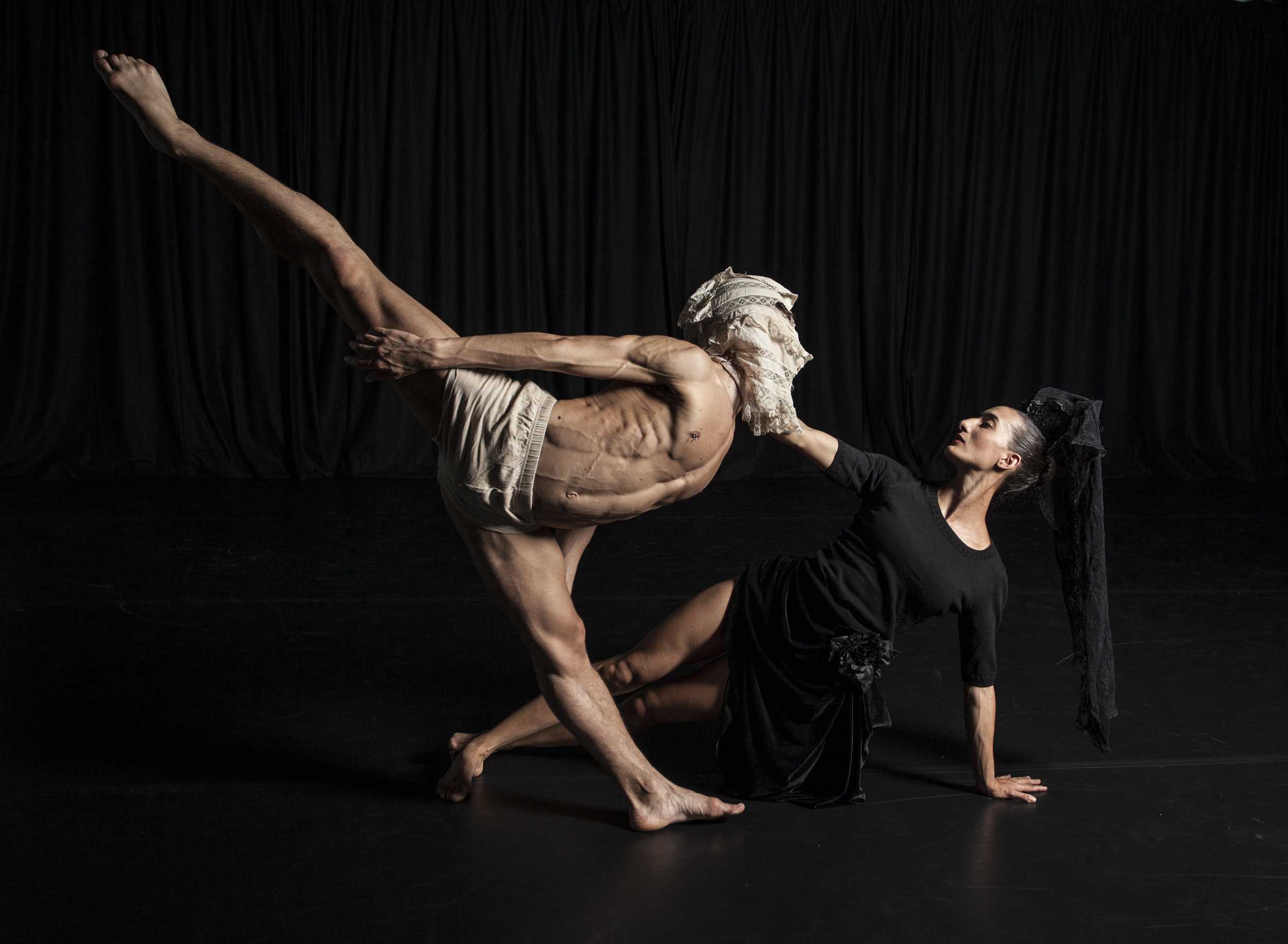 DeNada Dance Theatre in Carlos Pons Guerra's O Maria. Photo: Joe Armitage