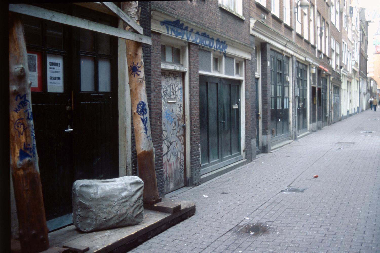 concrete-suitcase-huebner-amsterdam-7.jpg