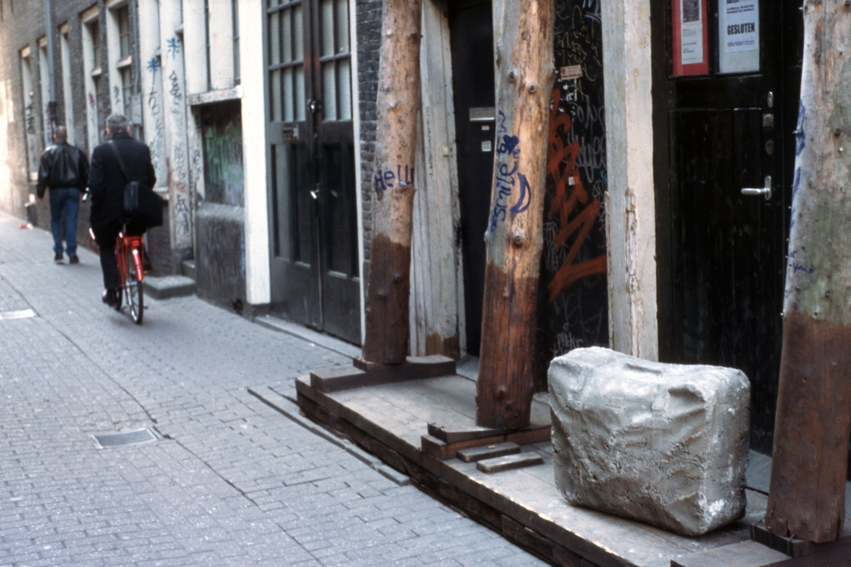 concrete-suitcase-huebner-amsterdam-6.jpg