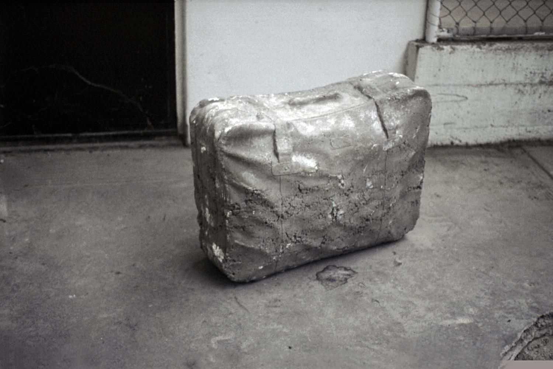 concrete-suitcase-huebner-amsterdam-8.jpg
