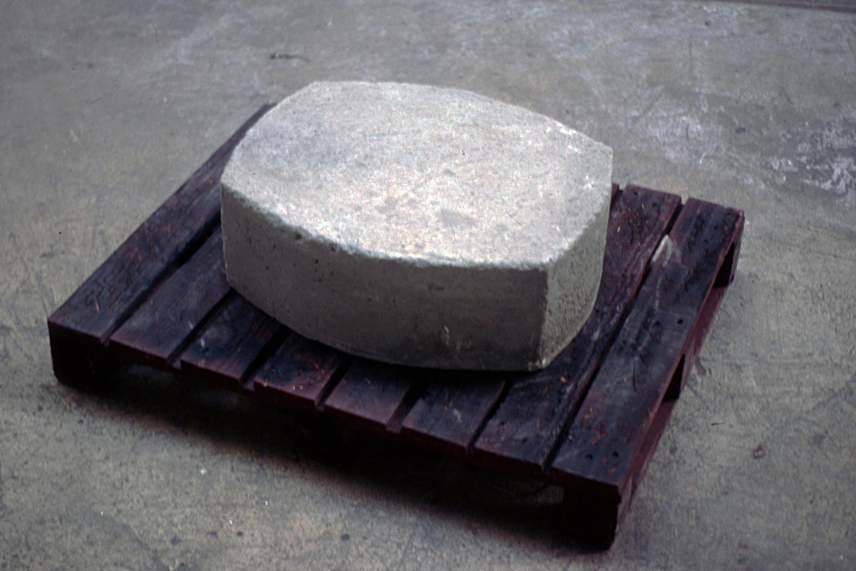 cradle-coffin-installation-huebner-3.jpg