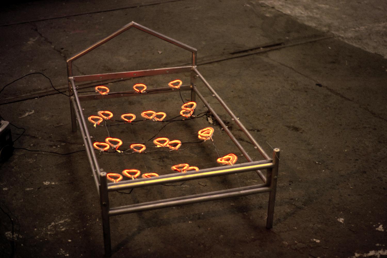 small-heart-bed-installation-huebner-3.jpg