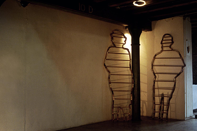 people-ladders-installation-huebner-5.jpg
