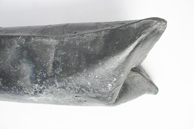 lead-travel-pillow-greyhound-series-huebner-5.jpg