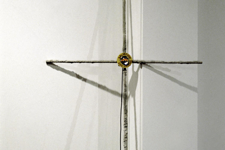 salvation-greyhound-cross-transmittor-huebner-2.jpg