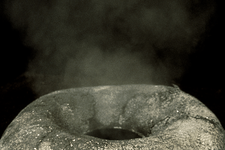burning-rain-fountain-installation-huebner-1.jpg
