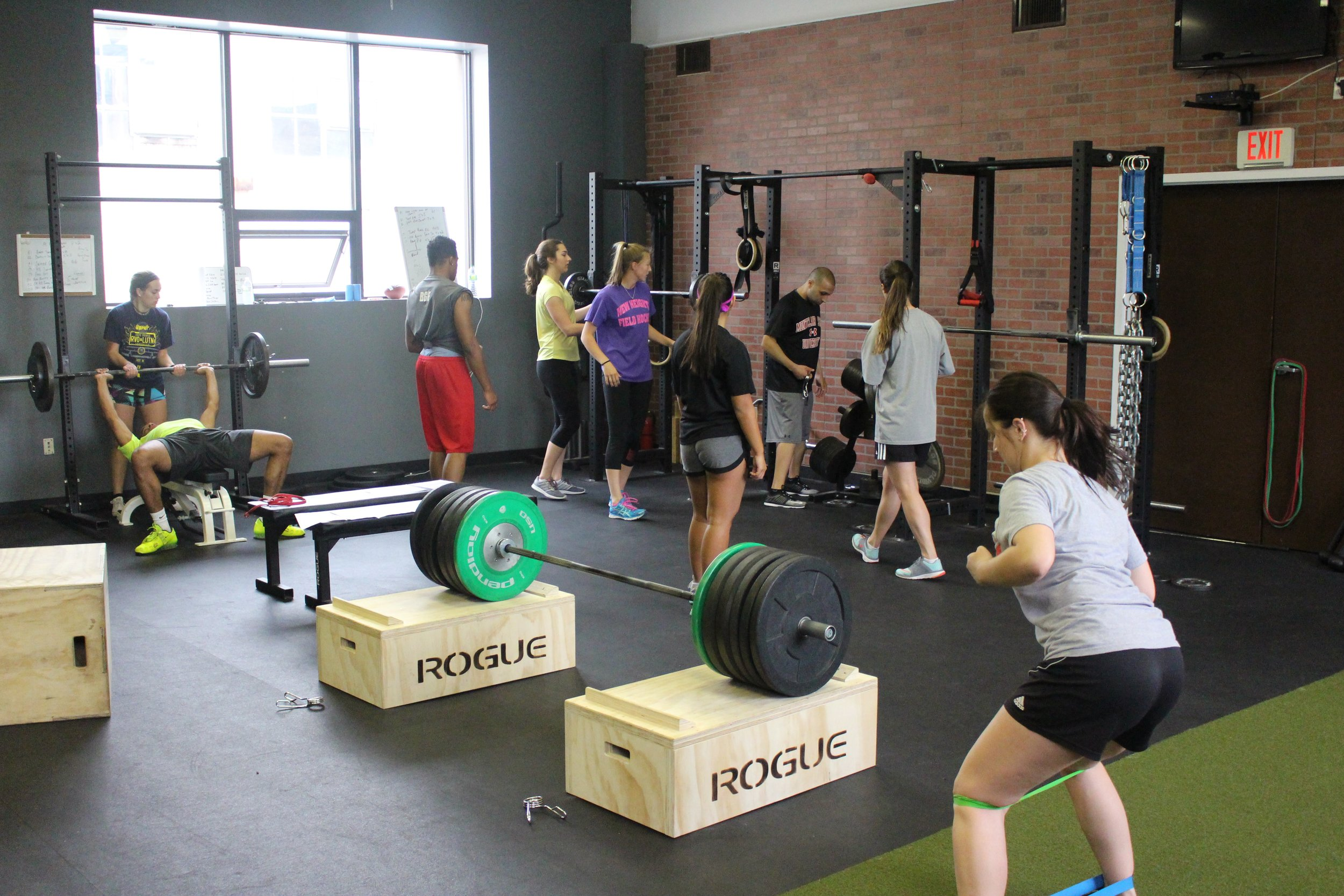ATHLETES LOOKING TO BUILD STRENGTH, MOVE QUICKER, AND MAKE AN IMPACT ON THEIR TEAM