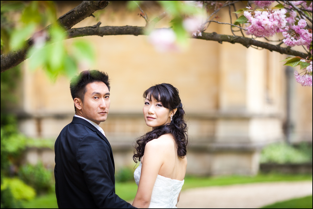 Lucy & Dali. Wedding photography in Exeter College, Oxford, Oxfordshire.