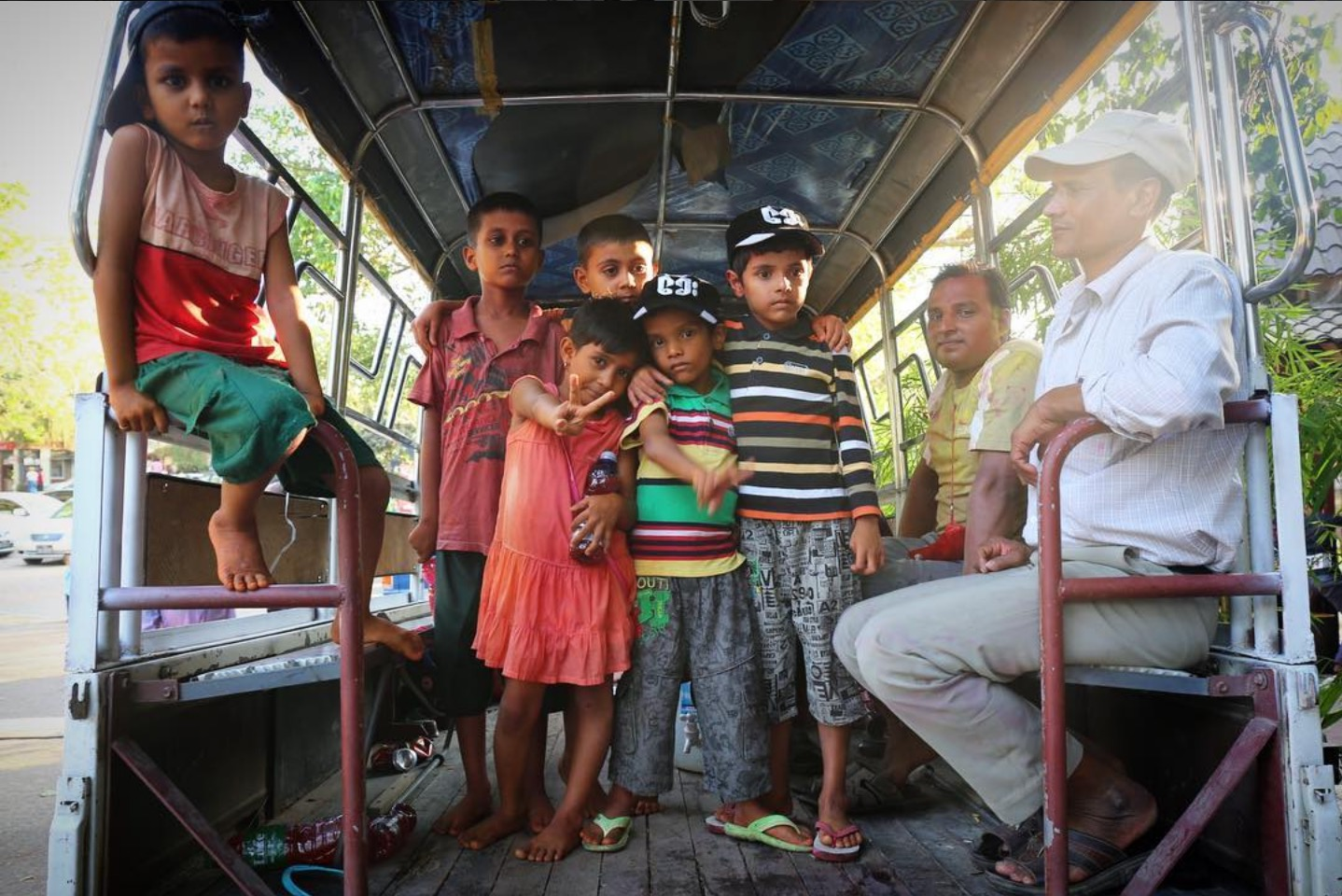 There's no one better to practice Myanmar language with than a bus full of kids. Kandawgyi Lake, Yangon. March 2017.