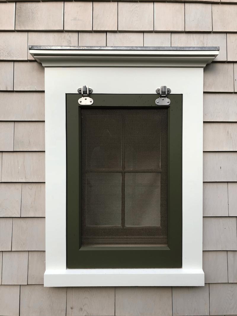 4 EAST HAMPTON COTTAGE WINDOW SCREEN WEBSITE PHOTOS 2018.jpg