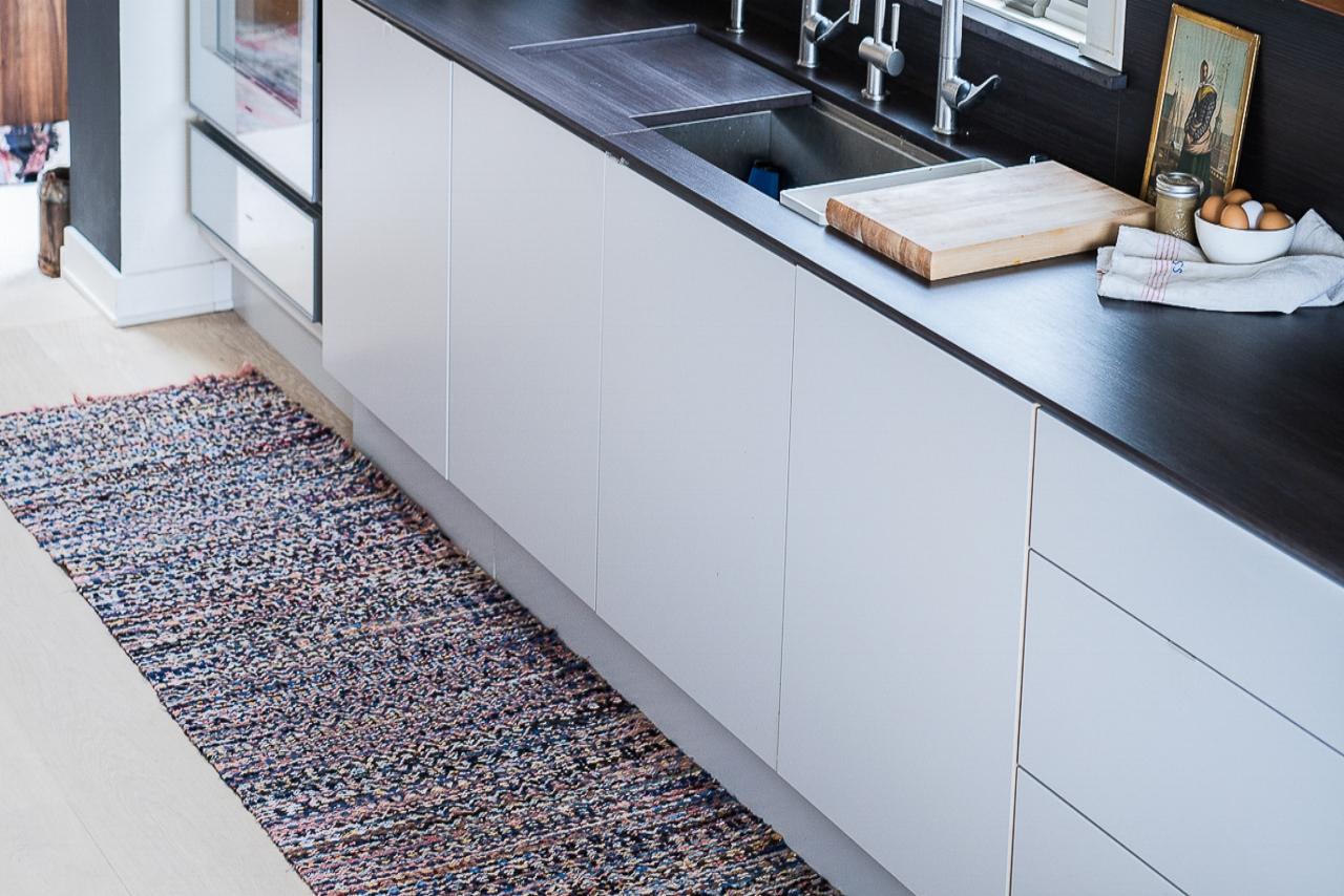 swedish rug blue-200.jpg