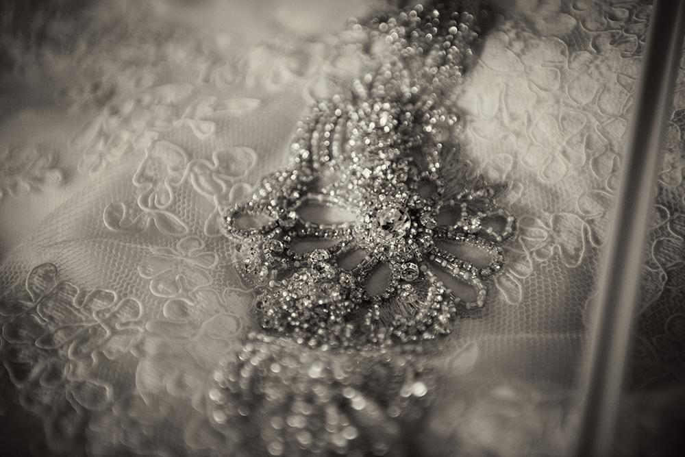 vintage-wedding-dress-photography-ashley