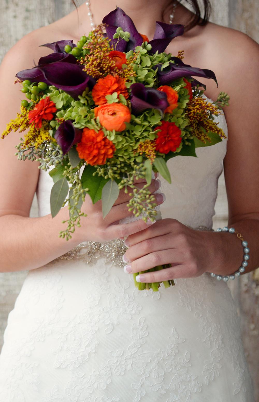 bride-floral-arrangement-minnesota-kennedy