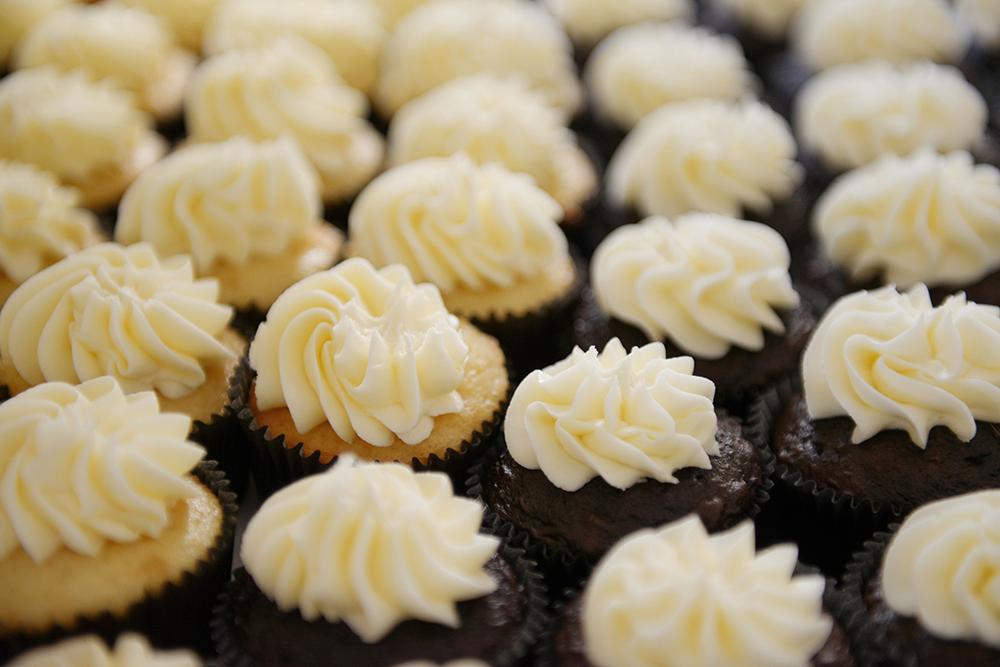 cupcakes-wedding-dessert-southeast-minnesota-kennedy