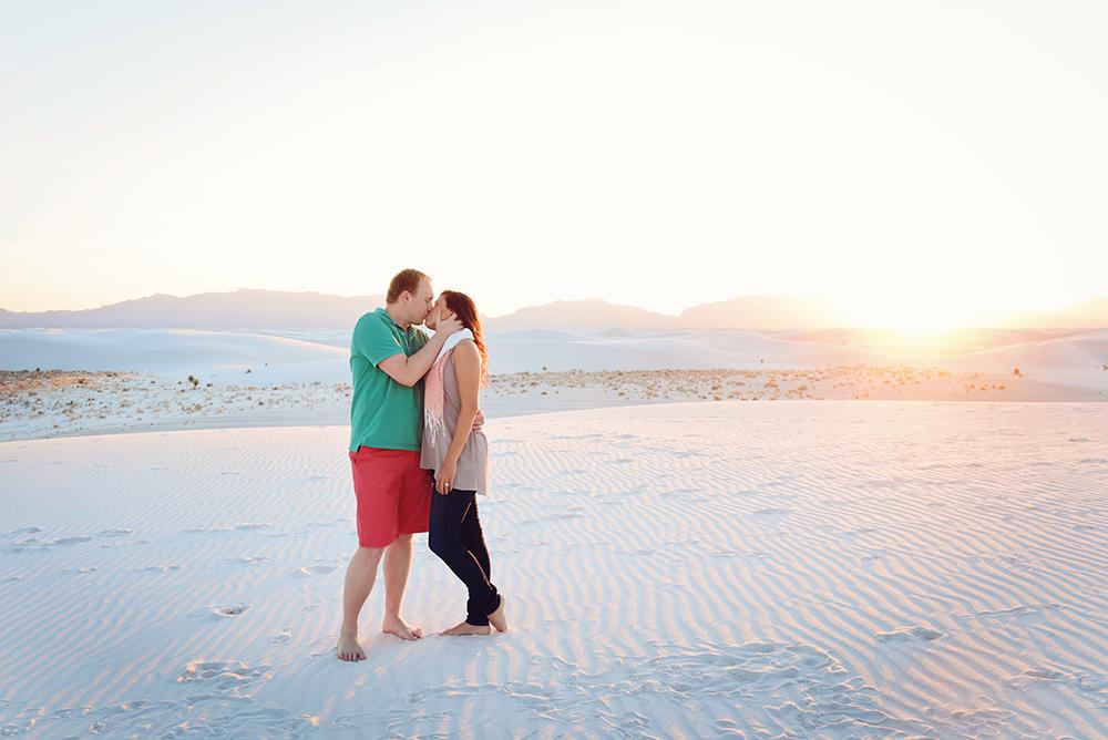 sunset-beach-couples-poses-cheap-photographer-kim