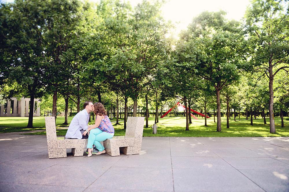 sculpture-garden-minneapolis-engagement-love-session