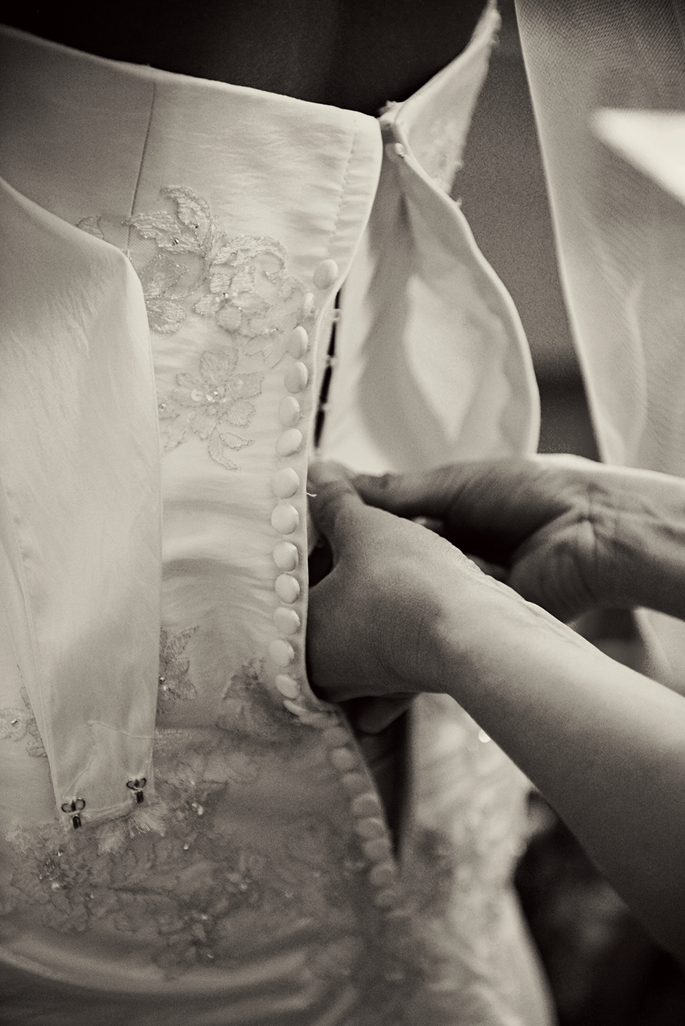 back-of-wedding-dress-details-menomonie