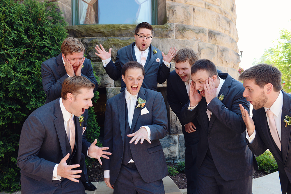 unique-groomsmen-photos