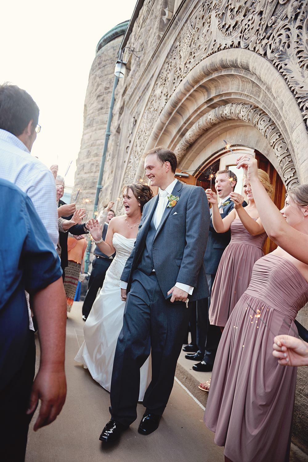 sparklers-couple-leaving-venue-wisconsin-wedding