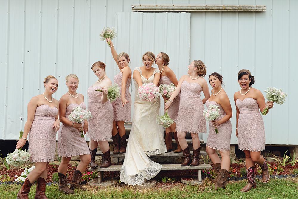 unique-minnesota-wedding-bridesmaid-portraits