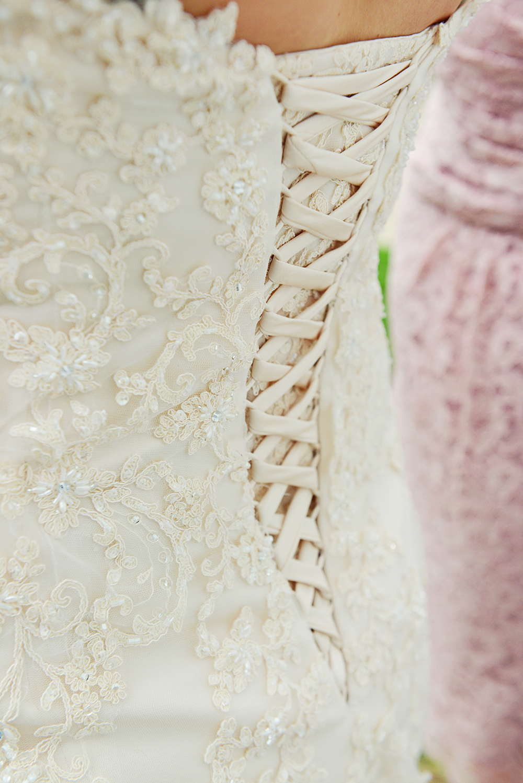 belles-&-beaus-wedding-dress-lace-up